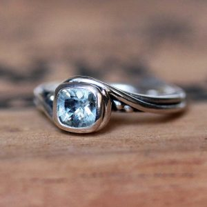 March Birthstone Ring - Aquamarine Gemstone