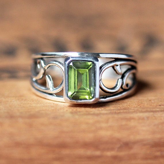 August Birthstone Ring - Peridot Silver Ring