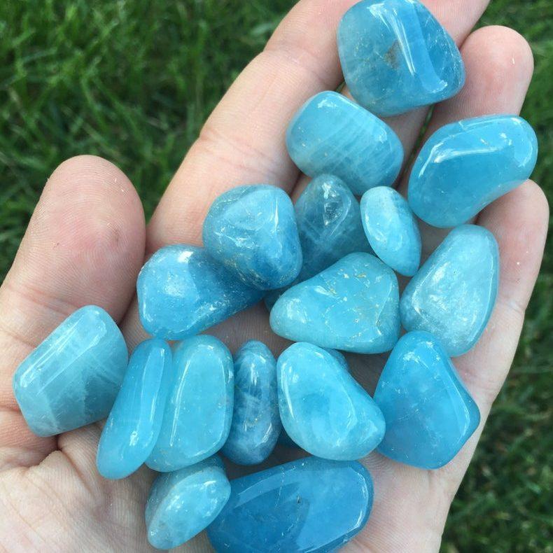 Tumbled Aquamarine Gemstone